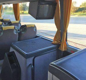 A busz belseje - a TV és a DVD lejátszó
