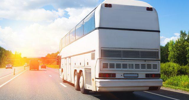 Buszbérlés dolgozók szállításához